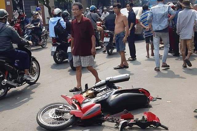 Hiện trường vụ tai n ạn. Ảnh:Nguyễn Lâm.