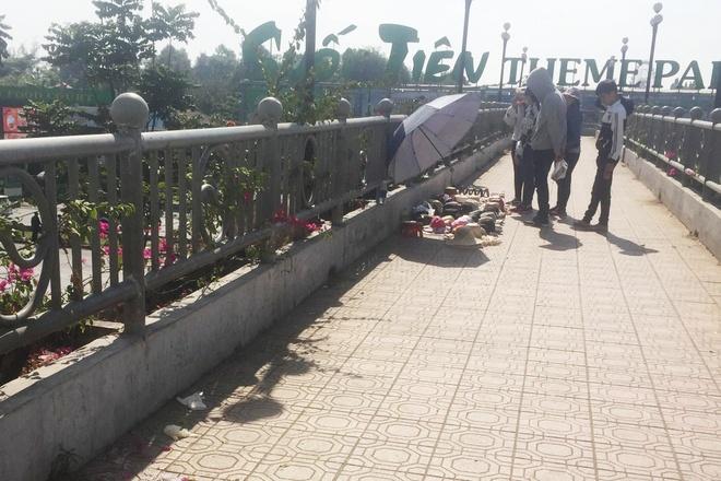 Nữ sinh tử vong trên cầu vượt bộ hành Suối Tiên