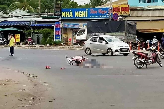 Người phụ nữ tử vong sau cú va chạm với xe đầu kéo container. Ảnh:Bien Vu.