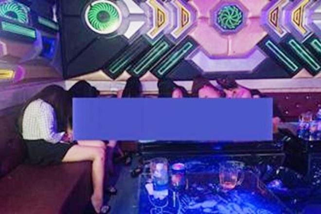 karaoke thoat y anh 1