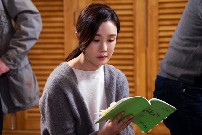 Lee Da Hee dien do do di chung phau thuat tham my? hinh anh 3