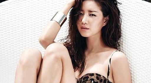 Hoa hau Han Quoc Kim Sarang bi gay chan nghiem trong hinh anh