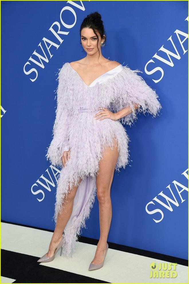 Chi em Kim Kardashian lan at nhan sac cac sieu mau Victoria's Secret hinh anh 4
