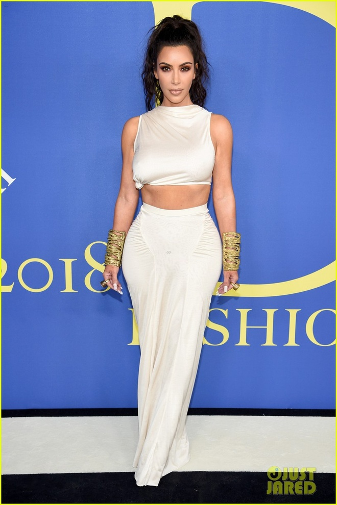 Chi em Kim Kardashian lan at nhan sac cac sieu mau Victoria's Secret hinh anh 1