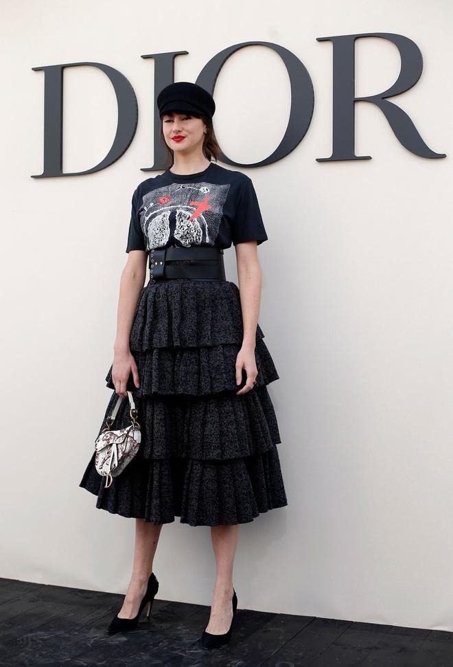 Angelababy noi bat khong kem Blake Lively khi tham du show Dior hinh anh 11