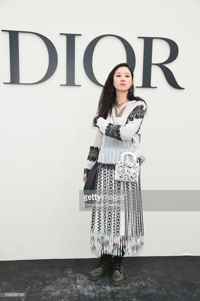 Angela Baby show dior anh 6