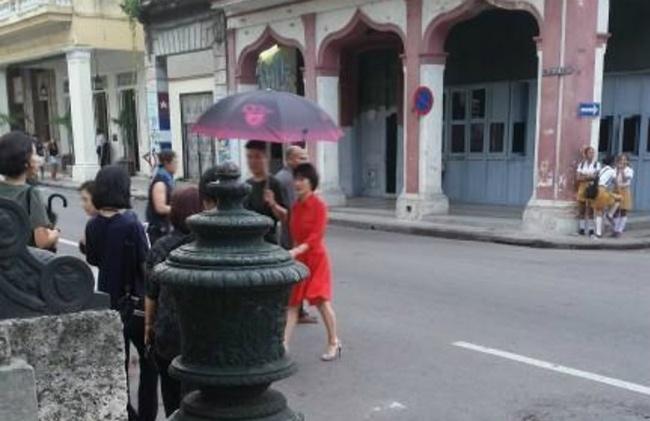 Song Hye Kyo va ban dien kem 12 tuoi quay phim o Cuba hinh anh 1