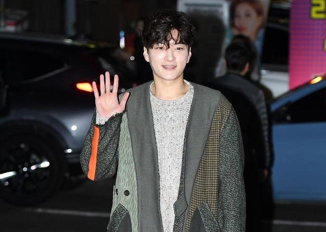 Song Hye Kyo dong cap voi Park Bo Gum anh 5
