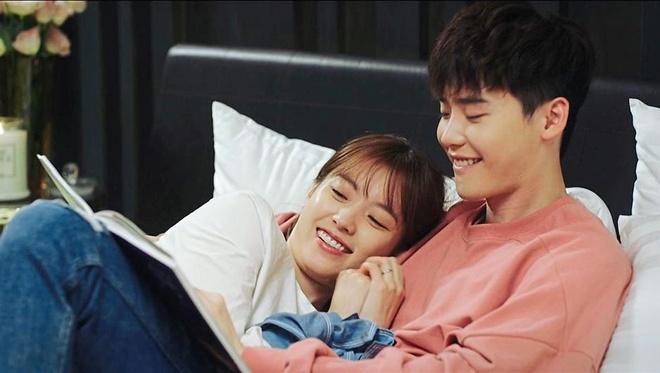 Lee Jong Suk: My nam co duyen voi nhung moi tinh chi - em hinh anh 4