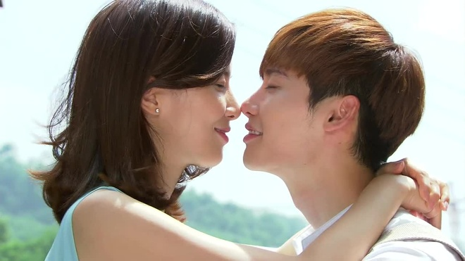 Lee Jong Suk: My nam co duyen voi nhung moi tinh chi - em hinh anh 3