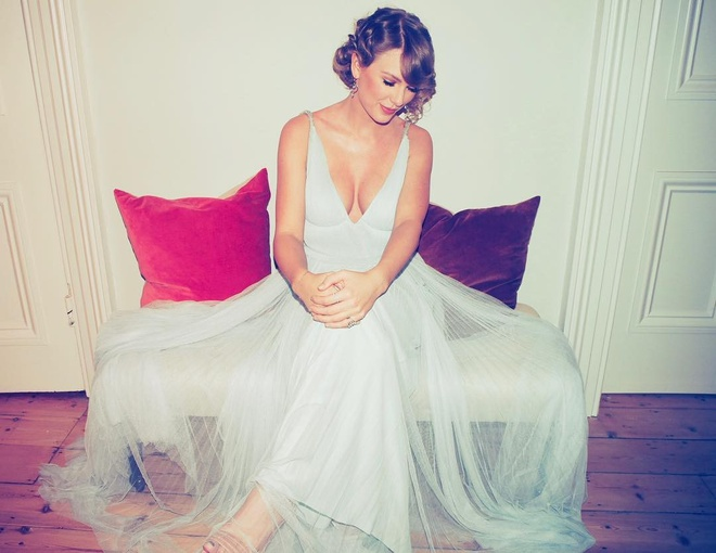 Bo Grammy, Taylor Swift tinh tu ben ban trai tai giai Oscar Anh hinh anh 3
