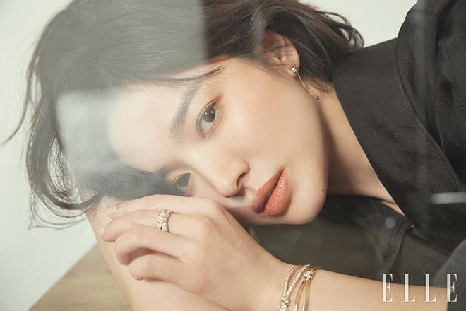 Song Hye Kyo long lay nhu 'nu than mua xuan' tren tap chi Elle hinh anh 2
