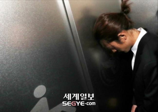 Jung Joon Young bi bua vay khi toi so canh sat de khai ve clip nong hinh anh 12