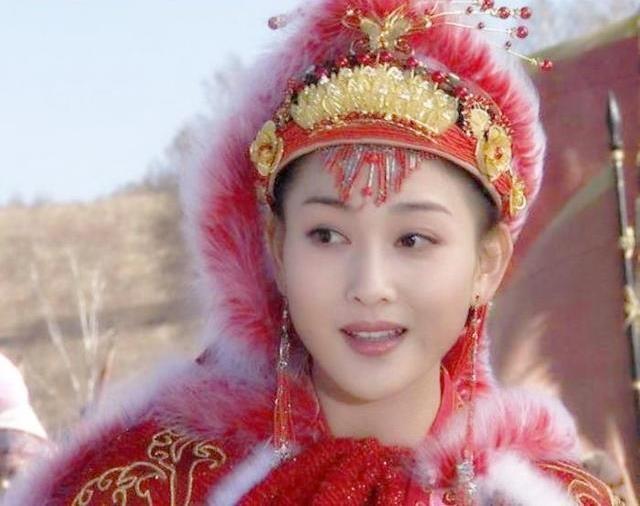 Duong Mich khong phai la Vuong Chieu Quan dep nhat man anh hinh anh 7