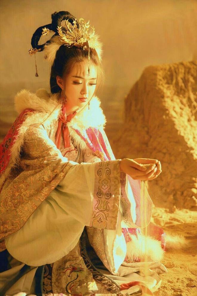 Duong Mich khong phai la Vuong Chieu Quan dep nhat man anh hinh anh 1
