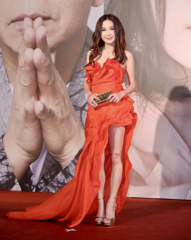 Song Hye Kyo gia hon 'Dat Ky' 53 tuoi On Bich Ha tai Kim Tuong 2019 hinh anh 2