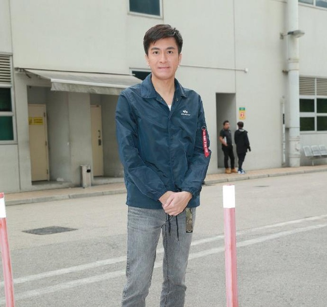 Diva Hong Kong suy sup, tu giam minh sau khi chong ngoai tinh hinh anh 3