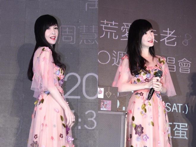 Chau Hue Man: 'Toi tha song voi 20 con meo con hon sinh mot dua tre' hinh anh 6