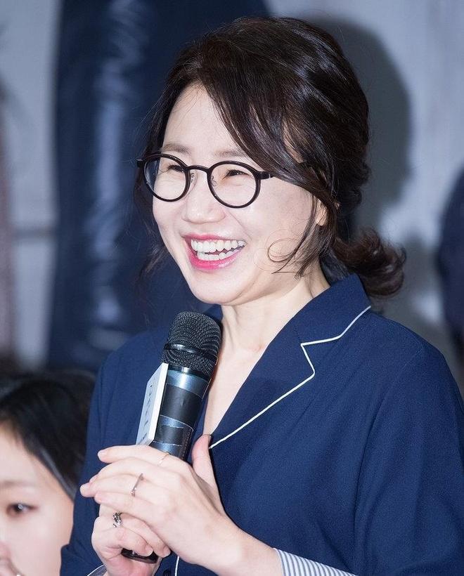 Lee Min Ho dong phim cua e-kip 'Hau due mat troi' sau khi xuat ngu hinh anh 2