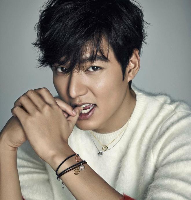 Lee Min Ho dong phim cua e-kip 'Hau due mat troi' sau khi xuat ngu hinh anh 1