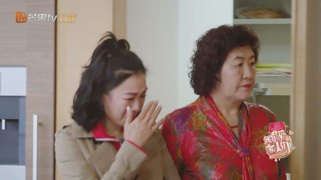 'Bom sex goc Viet' bi chong mang den phat khoc tren truyen hinh hinh anh 2