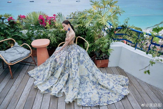 He Mong Dao goi cam, Ha Tue mac lo tren tham do Cannes 2019 hinh anh 8
