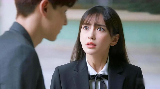 Angelababy bi che 'dien canh an cung lo' hinh anh 1