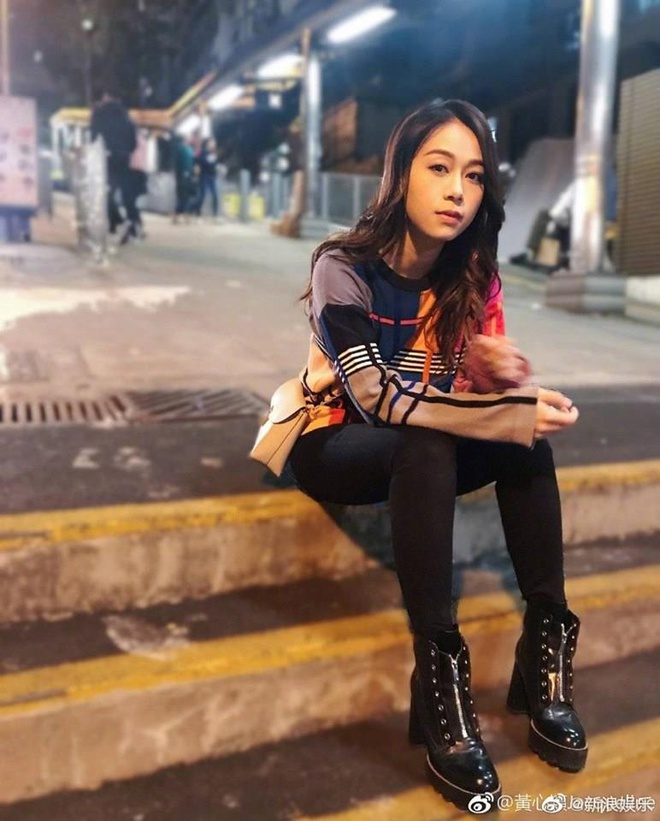 A hau Hong Kong xin pha san sau tai tieng clip ngoai tinh hinh anh 2