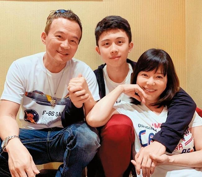 Sao nu 'Bao Thanh Thien' cay dang vi nuong chieu con trai hinh anh 1
