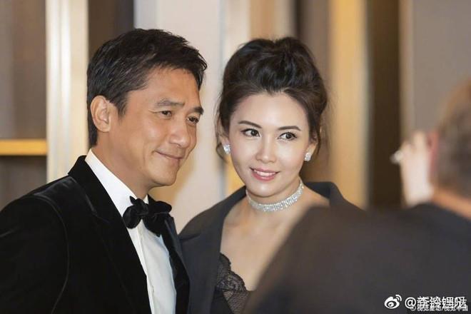 'Bieu tuong nong bong Hong Kong' Khau Thuc Trinh nhan sac xuong doc hinh anh 2