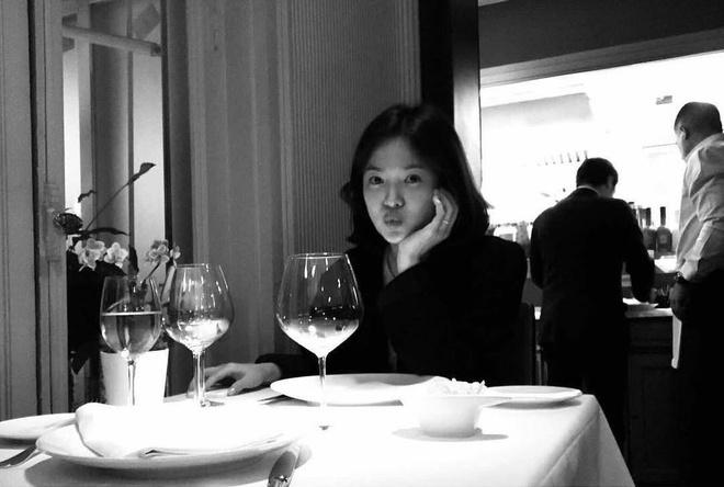 Song Hye Kyo xoa sach hinh voi Song Joong Ki sau khi chinh thuc ly hon hinh anh 2