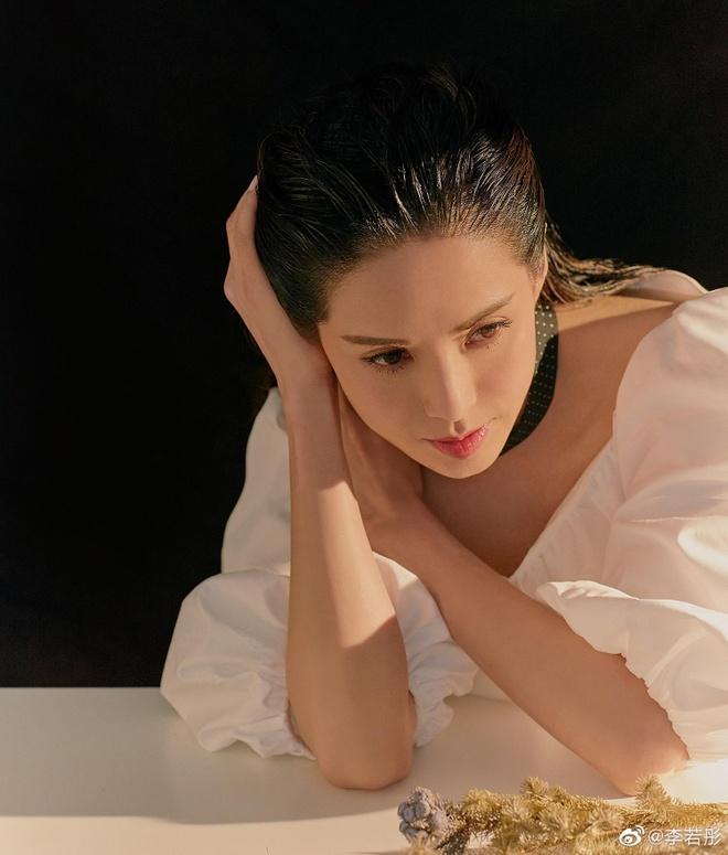 Ly Nhuoc Dong hoa than thanh hiep nu trong bo anh moi hinh anh 8