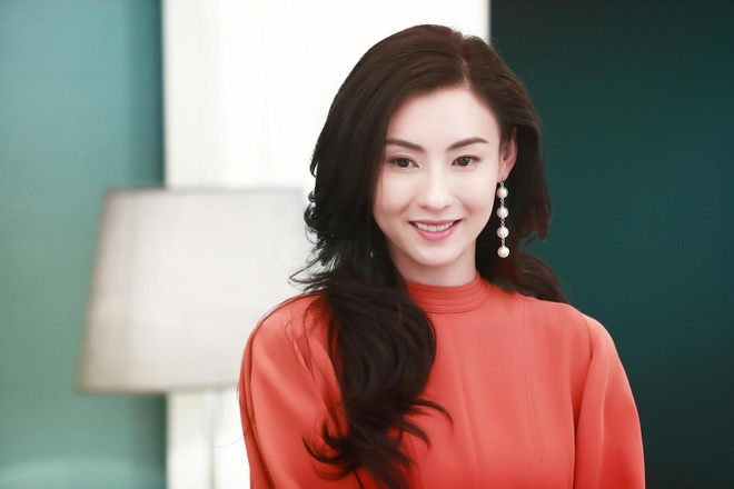 Dan sao Hoa ngu suyt danh mat su nghiep vi tham gia show giai tri hinh anh 4