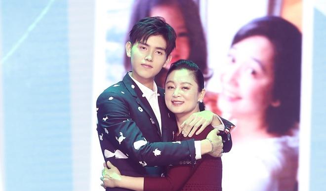 Tran Hong - my nhan man anh khong kieng ne Thanh Long hinh anh 5