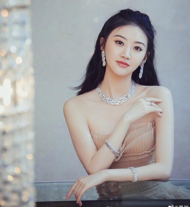 Cung Loi Hua Khai anh 3