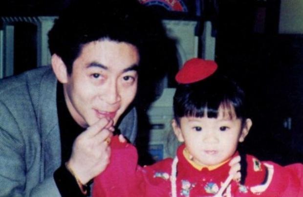 Anh hiem hoi cua con gai 'Ton Ngo Khong' Luc Tieu Linh Dong hinh anh 2