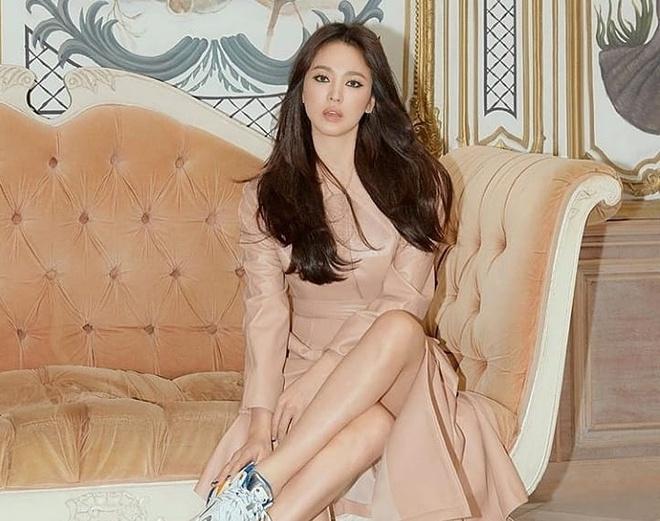 Song Hye Kyo tro lai mang xa hoi voi loat anh moi sau ly hon hinh anh 1