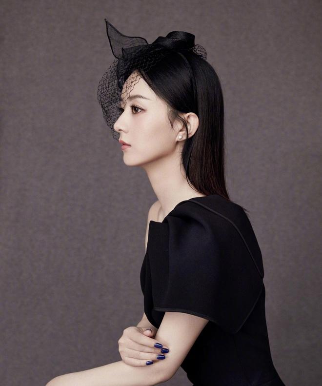 Trieu Le Dinh sinh con anh 4