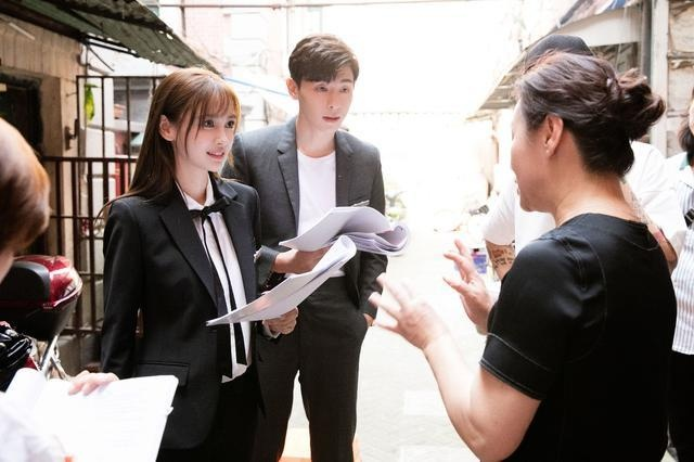 Angelababy bi che 'dong canh xac chet cung gia' hinh anh 2 Angelababy.jpg