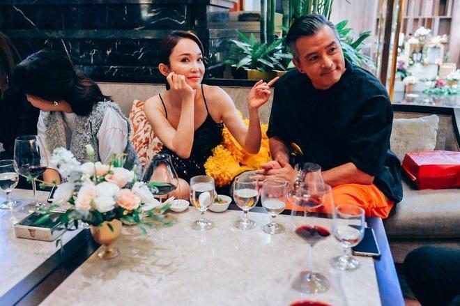 Phạm Văn Phương sinh năm 1971 tại Singapore, cô được xem là
