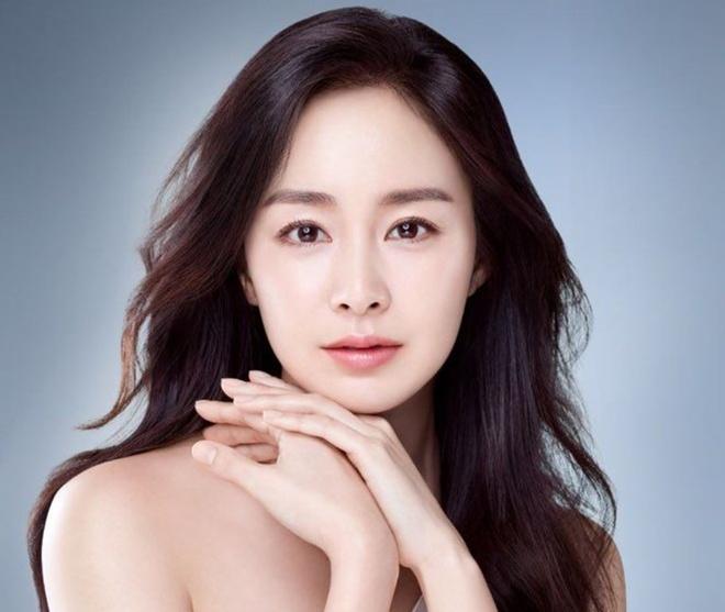 Kim Tae Hee khoe nhan sac tuoi 40 hinh anh 7 kim.jpg