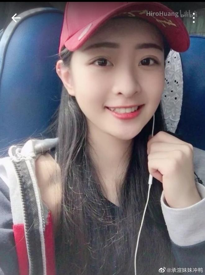 Lisa khen ngoi Vuong Thua Tuyen o Thanh xuan co ban 2 hinh anh 8 vuong_thua_tuyen17.jpg