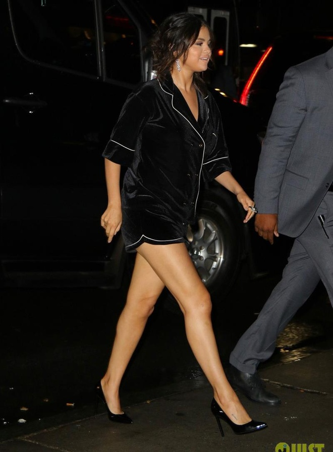 Thoi trang goi cam cua 'nang beo' Selena Gomez hinh anh 3