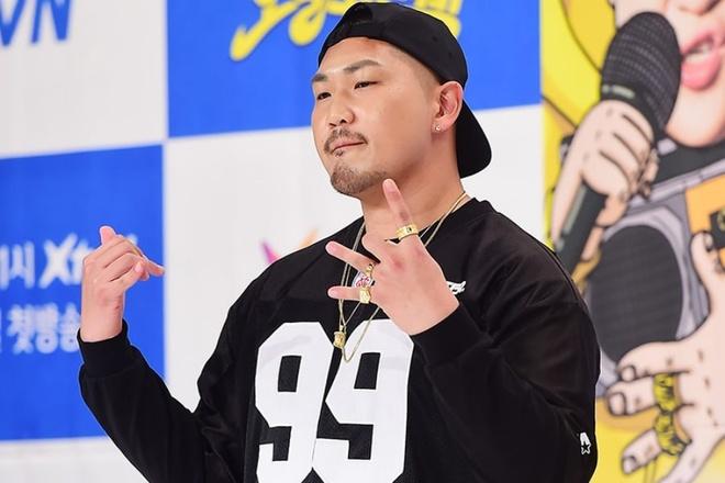 Rapper Han co tinh tang can de tron di nghia vu quan su hinh anh 1