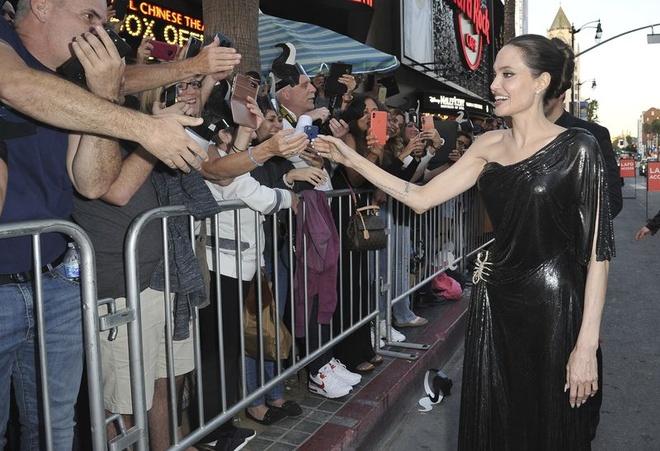5 nguoi con den ung ho Angelina Jolie ra mat phim moi hinh anh 2