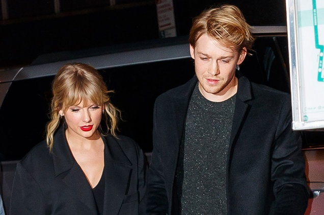Taylor Swift nhac lai qua khu bi de biu vi yeu nhieu nguoi hinh anh 2