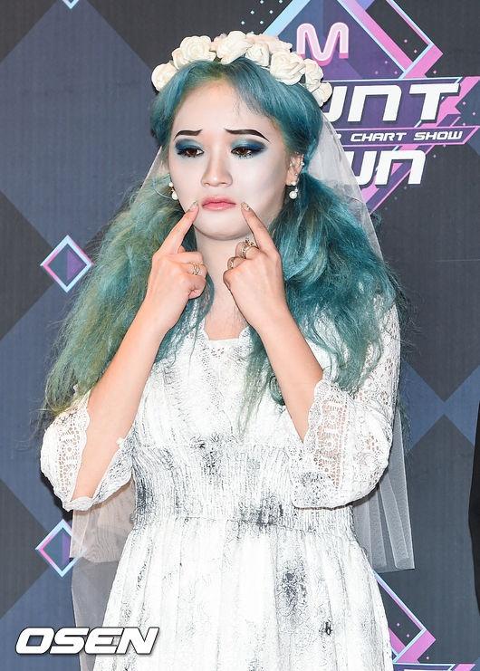 HyunA dien phong cach cong chua anh 12