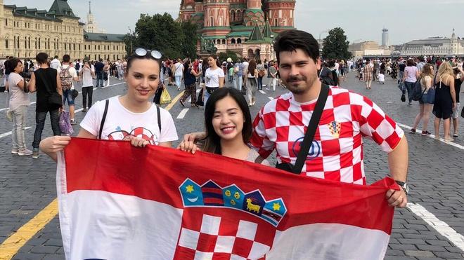 Nguoi Croatia thoai mai truoc tran chung ket voi Phap hinh anh