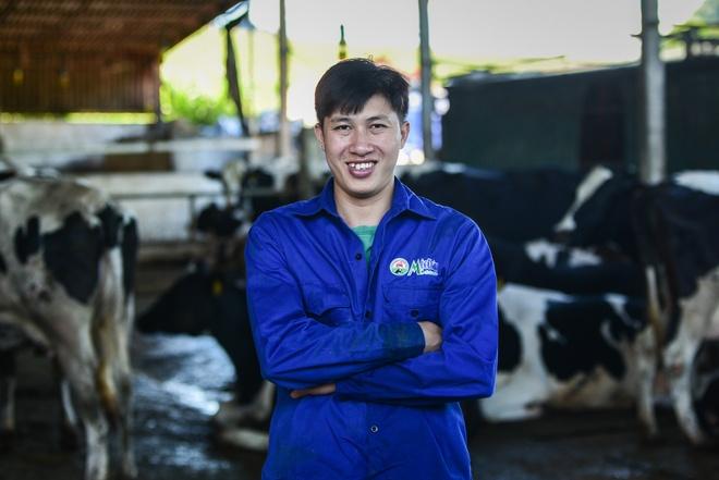 'Tỷ phú' 9X nuôi bò sữa trên cao nguyên Mộc Châu