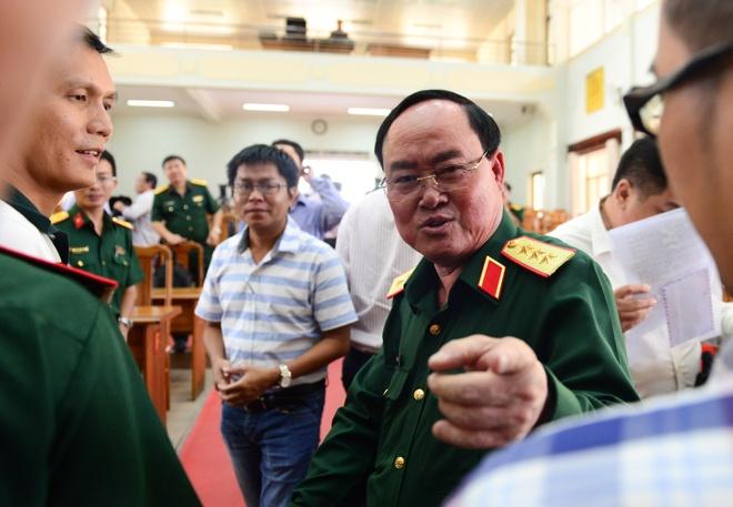 Tuong Tran Don: Giai toa 50 kiot, 3 cay xang giap san bay Tan Son Nhat hinh anh